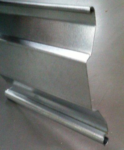 Rideaux metalliques electrique galvanis s lames d10 for Porte de garage mischler